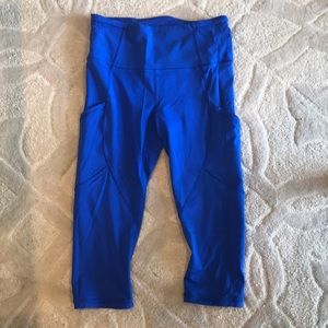 Lululemon, size 6 cropped leggings